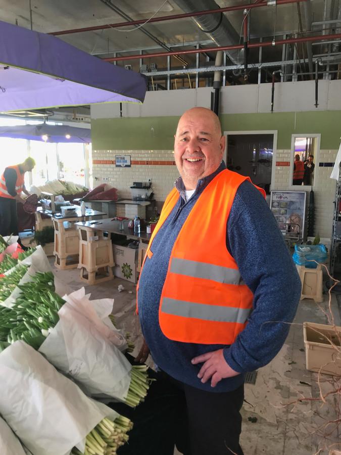 bloemist John Visser op markt in Ede