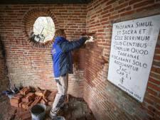 Herstel theekoepel Egheria in De Lutte begonnen: 'Dit doe je niet zomaar even'