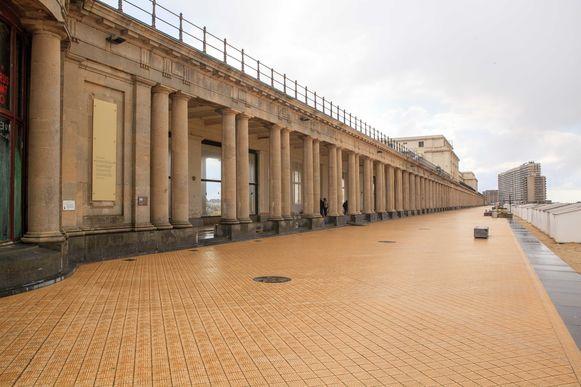De gaanderijen van het Thermae Palace.