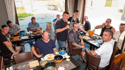 Wegenwerkers krijgen mosselen-friet op laatste werkdag