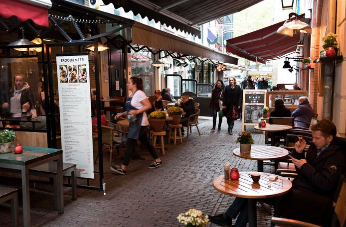 Horeca in de Utrechtse Drieharingstraat.