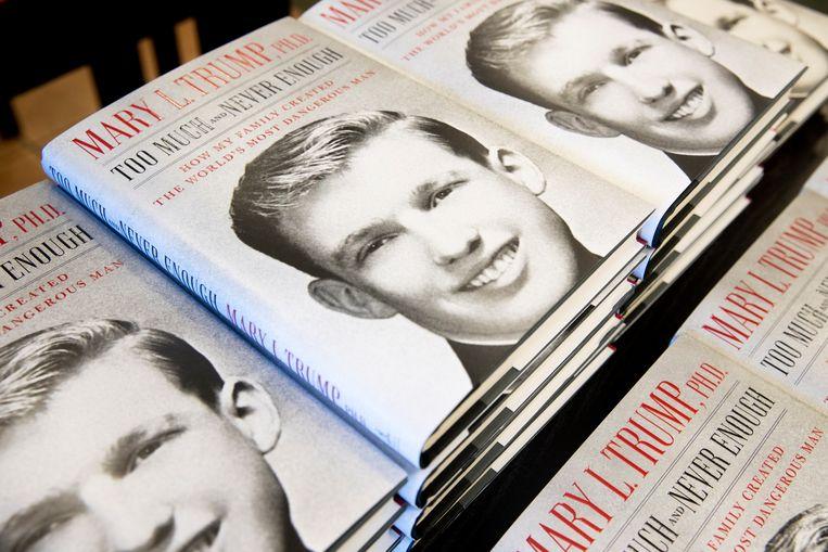 Het boek van Donald Trumps nicht, Mary Trump, over de 45e president van de Verenigde Staten. Beeld EPA