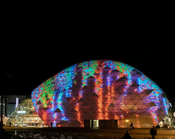 740.000 mensen bezochten Glow Eindhoven - De Limburger Mobile