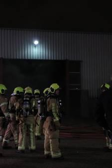 Grote brand in spuiterij door brandende vrachtwagen