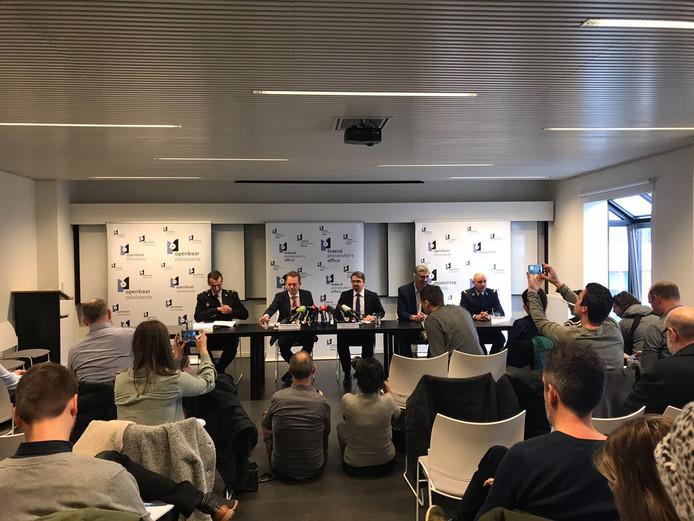 Persconferentie van Belgische en Nederlandse  politie.