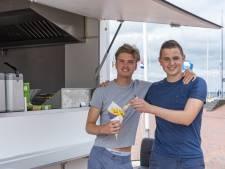 Niks vakantiebaantje, deze Zeeuwse tieners kochten gewoon een frietkraam: 'Het gaat hartstikke goed'