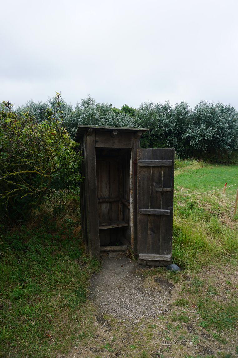 Moet je dringend naar de wc? Geen paniek, er zijn ook moderne toiletten op de site.