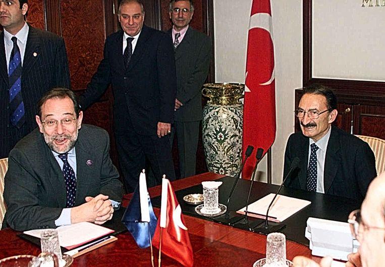 EU-gezant Solana en de Turkse premier Ecevit bespreken de Turkse EU-kandidatuur in 1999.  Beeld REUTERS