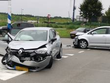 Auto met baby botst in Hooglanderveen