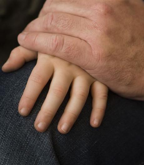 Pedo-chirurg zorgt voor ophef in Frankrijk