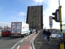 Werk aan Zelzatebrug uitgesteld