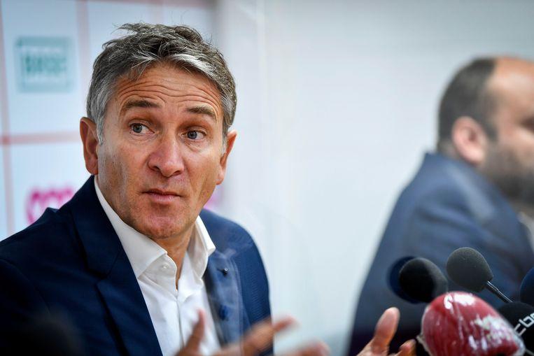 Philippe Montanier werd vandaag als nieuwe coach bij Standard voorgesteld.