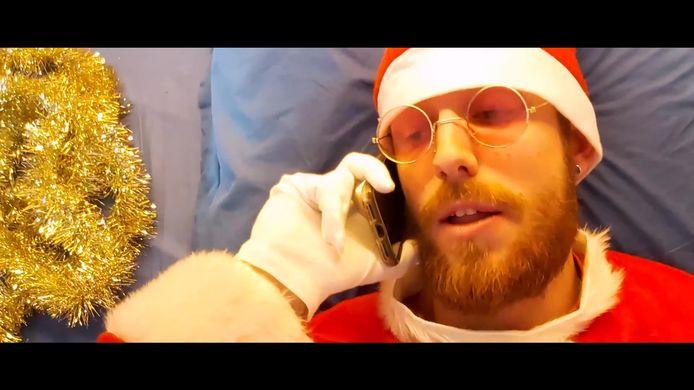 Lichtervelds muzikant Arne Stroobant lanceerde op kerstavond een ludieke rap.