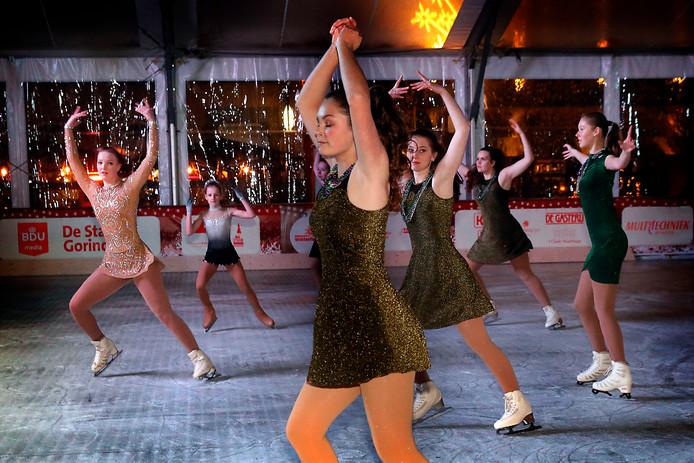 Vrijdag werd de ijsbaan op de Grote Markt feestelijk geopend.