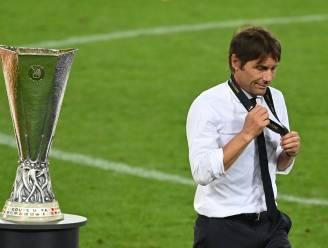 Antonio Conte blijft ook komend seizoen trainer van Inter Milaan