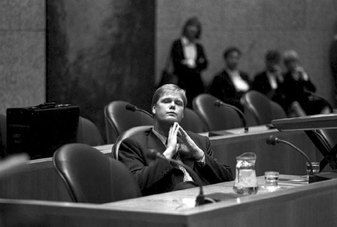 In 1996 trad Robin Linschoten af als staatssecretaris