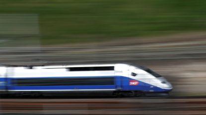 """Vader wacht op dochtertje (4) in TGV: """"Excuseer, we zijn haar kwijt, ze moet onderweg zijn uitgestapt"""""""