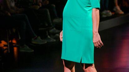 """Zwangere Nathalie Meskens op de set van 'Beste Kijkers': """"Mijn stoel staat elke week iets verder van de desk"""""""
