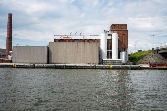 Op deze muur langs het kanaalfietspad in Merksem pronkt binnenkort een eerbetoon aan slachtoffers van seksueel en zinloos geweld.