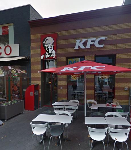 Smerigste friet van Brabant eet je bij KFC in Tilburg: kartonsmaak én duur: 'Een wanprestatie'