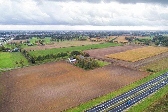 Pure Energie wil langs de N18, in het gebied waar Nouryon naar zout gaat boren, een zonnepark van 19 hectare aanleggen.