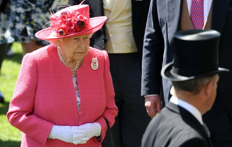 De Queen woonde op 21 juni 'Ladies Day' bij op Royal Ascot, een van de meest beroemde paardenrennen.
