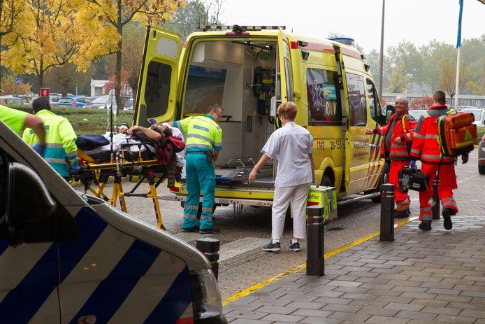 Dader Samir T. uit Deurne raakte bij de gewelddadige feiten zelf gewond en werd afgevoerd met de ziekenwagen.