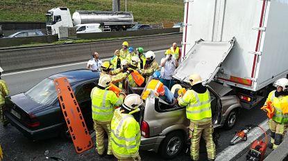 """Ongevallen in Kennedytunnel in beide richtingen: """"Blijf uit de buurt"""""""