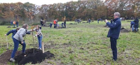 Plantdag als afronding van Levensbomenbos in Rosmalen