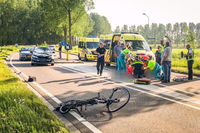 Een vrouw op een fiets is aangereden en overleden in Best.