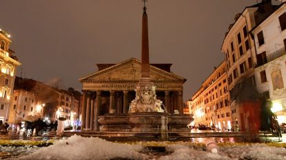 Hagel kleurt Rome wit