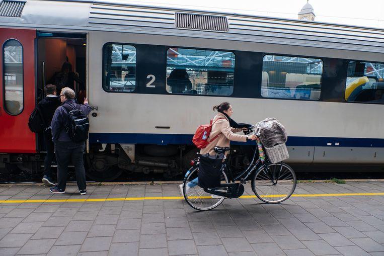 Reizigers die hun fiets willen meenemen, hebben een speciaal ticket nodig.