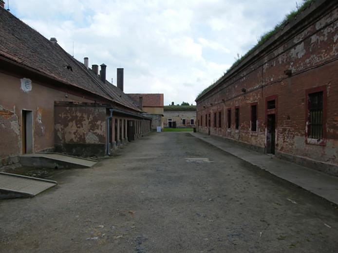 Het voormalige concentratiekamp Theresienstadt, waar de Tsjechische componist Hans Krása de jeugdopera Brundibár schreef en waar het muziekstuk ook voor het eerst werd uitgevoerd.