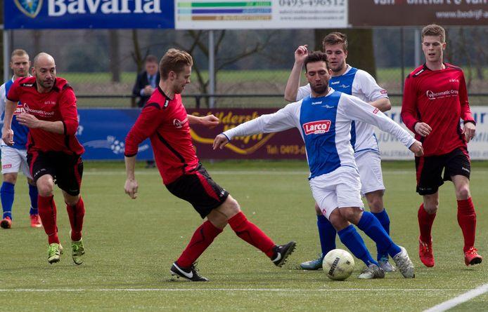 Someren tegen EFC in 2016. Beide clubs treffen elkaar in de poulefase van de districtsbeker.
