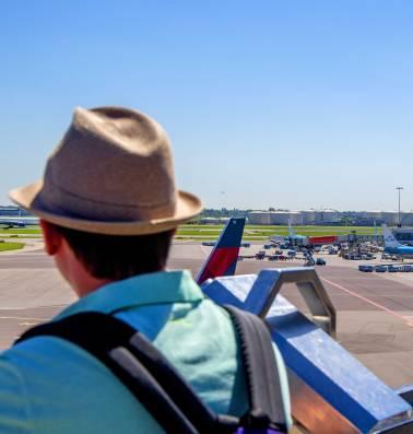 Reisaanbieders smeren graag overbodige diensten aan