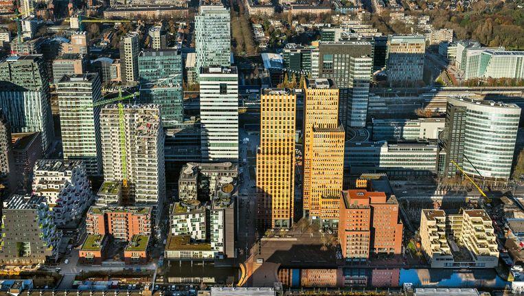 Aan de Zuidas in Amsterdam staat nauwelijks nog kantoorruimte leeg Beeld anp