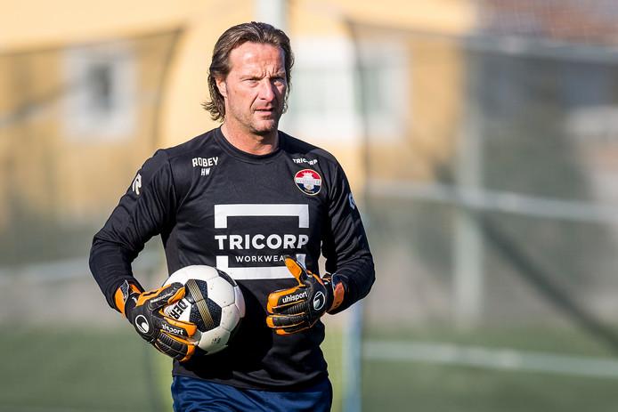 Harald Wapenaar blijft waarschijnlijk nog jaren keeperstrainer bij Willem II.