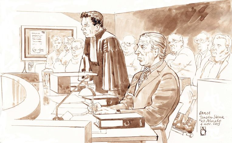 Oud-neuroloog Ernst Jansen steur (R) in de Almelose rechtbank. Beeld ANP