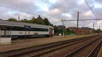 Zware hinder door trein met pech in station van Burst