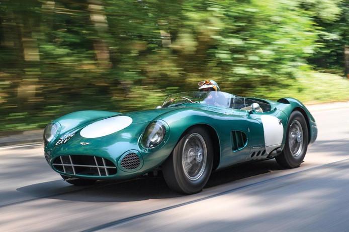 Aston Martin's DBR1 is de duurste Britse auto ooit geveild. De auto werd bestuurd door Sir Stirling Moss op de Nürburgring in Duitsland.