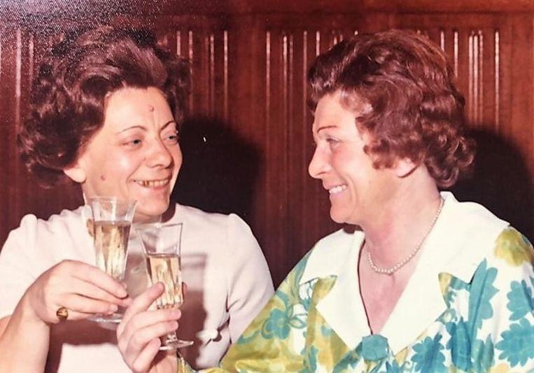 Rosa Lapere, samen met haar zus Laura.