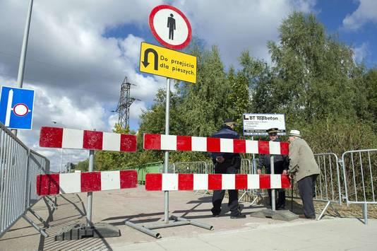 Het gebied waar de geheimzinnige trein zich zou bevinden is afgesloten voor de vele nieuwsgierigen die er op afkomen.