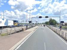 Leimuiderbrug lang dicht voor verkeer door storing