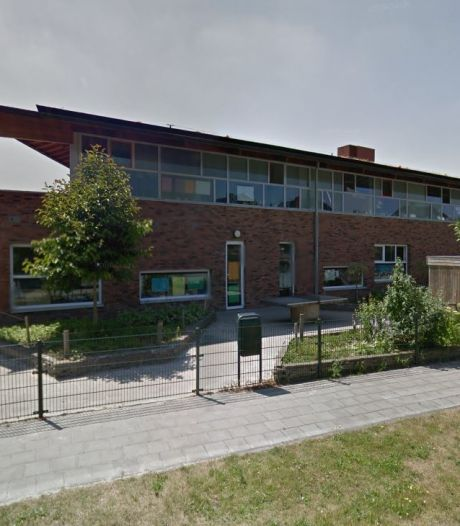 Boze reacties in Hooglanderveen over sluiting schoolplein voor spelende kinderen