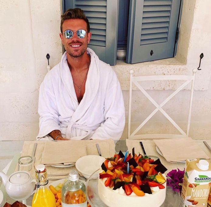 Petit déjeuner copieux pour Jordan Henderson, récent vainqueur de la Ligue des Champions, qui vient de fêter ses 29 ans