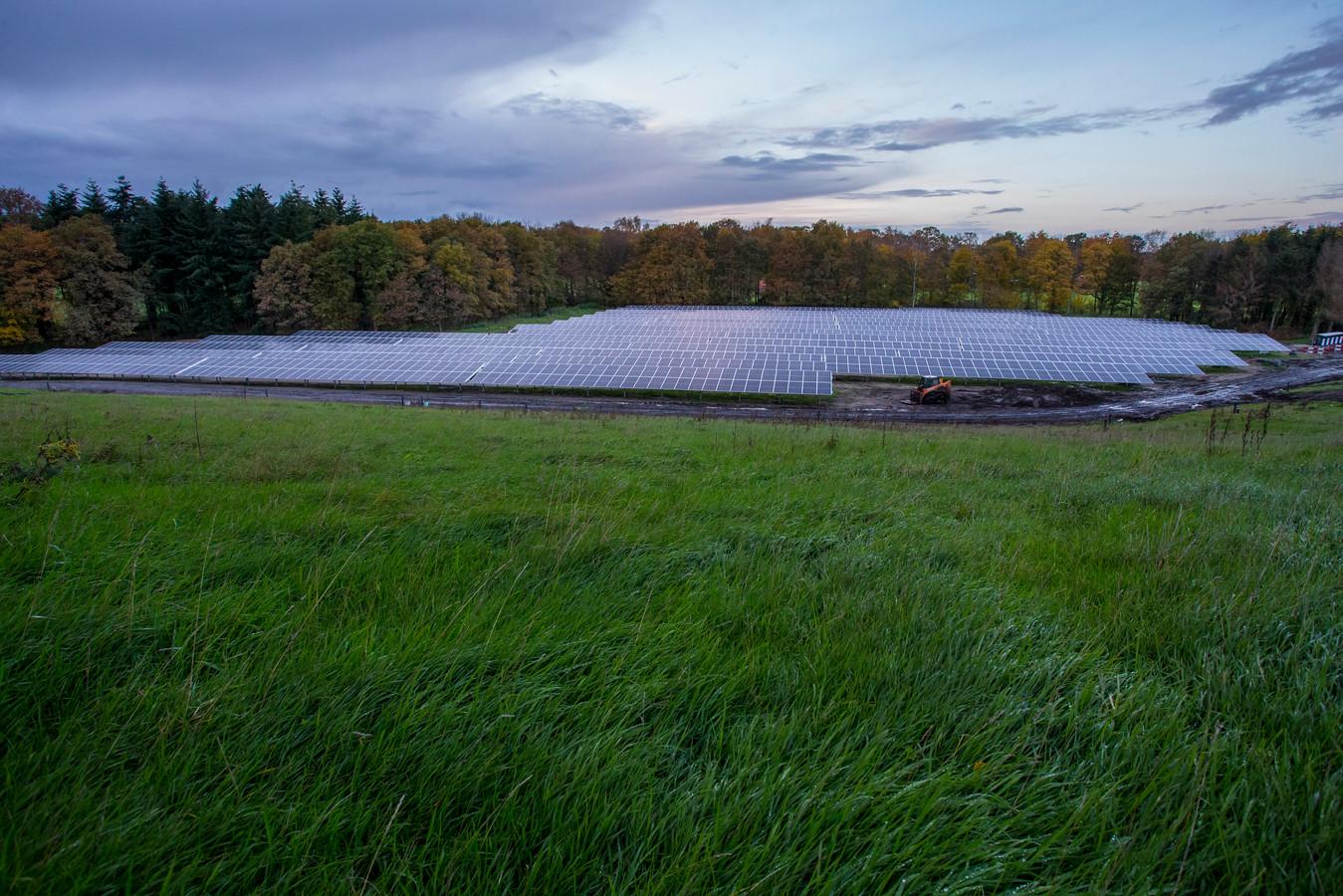 Het eerste grote zonnepark, de Armhoede.