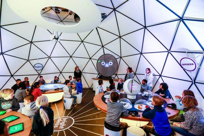 De Generation Discover Bright Hub in Rotterdam