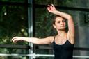Veerle Warlich (17) uit Arnhem, danst bij Studio 26 in Velp.