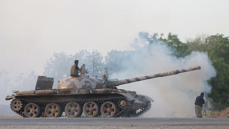 Houthi-rebellen in gevecht met de Saoedische militaire coalitie in Jemen. Beeld Saleh Al-Obeidi