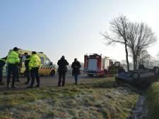 Vrouw komt met schrik vrij na crash met auto in Rijsbergen